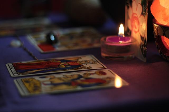svíčky u karet