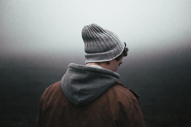 kluk s čepicí