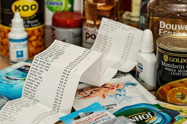 obrovský nákup potravin