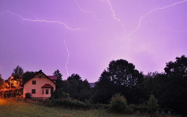 domeček, kde jsou všichni v bezpečí i v bouřce